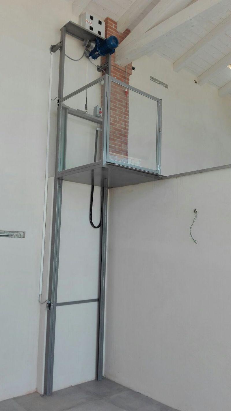 Fabbrica montacarichi for Montacarichi da balcone prezzi
